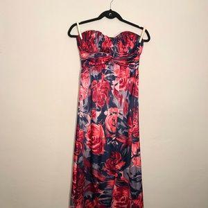 NWOT • Gianni Bini long floral dress